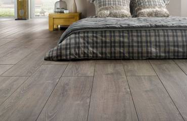 vinyl-floor-installation-hardwood-floor