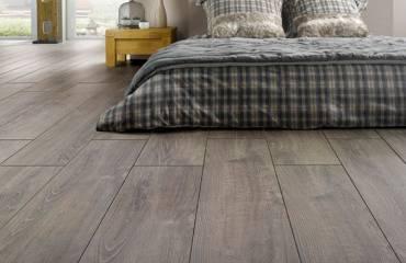 vinyl-floor-installation-hardwood-floor